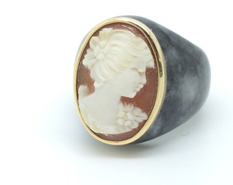 Agate and Shell Cameo Ring - 14K Cameo Ring - Yellow Gold and Grey Agate Ring