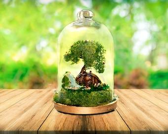 Hobbit House, Terrarium, Moss terrarium, Fairy garden, glass cloche, bell jar, Terrarium Kit, magical terrarium, Lord of the rings, Hobbits