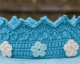Crochet ice princess crown