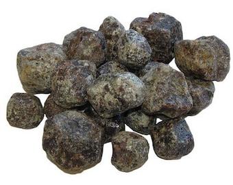 Rough stone Garnet 3-5cm