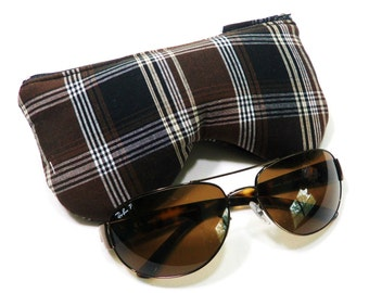 Curves Plaid/Check Eyeglass Case, Sunglasses Pouch, Sunglasses Case, Zippered Eye Pouch Brown/Black/White
