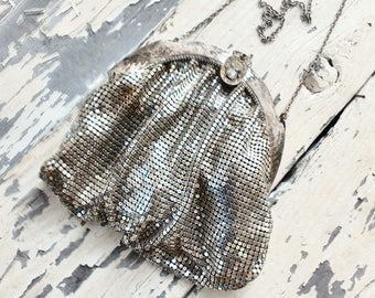 Art Deco Whiting and Davis Silver tone Mesh Purse ~ Dance Purse / Evening Bag ~ Vintage Wedding  Photo Prop. ~ Repair / Shabby Cottage