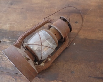 Vintage Rustic DIETZ D-Lite Lamp Railroad Lantern / Antique Railroad Kerosene Lantern Dietz New York No. 2 Large Fount D-Lite-1900's