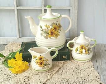 Sunflower Tea Set | Vintage Tea Set | Stoneware | Sunflower Tea Pot | Summer Tea Party | Kitchen Decor | Repaired Rim