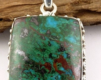 The Peru chrysocolla shape vintage, chrysocolla, natural stone pendant, self confidence, stones, minerals AJE2.4 care jewelry