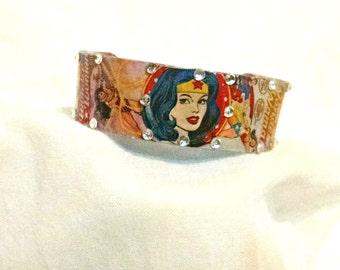 Wonder Woman, cuff Bracelet, Super Hero jewelry, comic book jewelry, Wonder Woman cuff, fandom art, custom jewelry, personalized bracelet