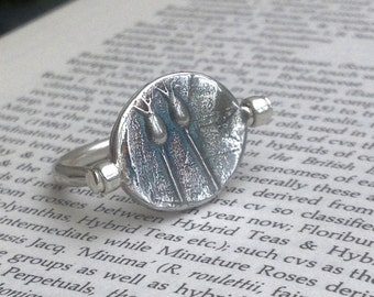 Reversible ring - Spin ring - Seedhead ring - Sterling silver ring - Floral jewellery - Art jewellery - Flip ring - Double sided ring