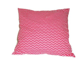 Cushion cover 40 X 40 cm red and white chevrons