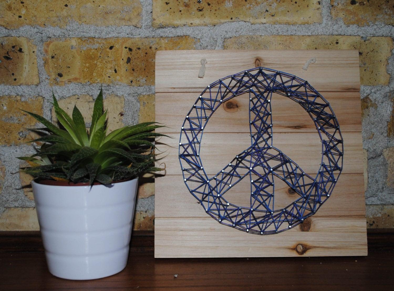 Peace Sign String Art/ Peace Sign / String Art / String & Nail