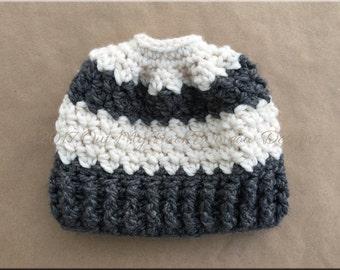 CROCHET MESSY BUN Hat, Messy Bun Beanie, Ponytail Hat, Crochet Hat, Winter Hat, Crochet Winter Hat, Silver Maple Stitches, Mom Bun Hat