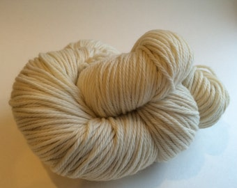 Certified Organic Undyed Merino Wool Yarn Bulky Dyeable. Ships from U.S.A.