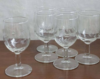 Etched Clear Glass Wine Glasses, Medium size, set of 6, vintage