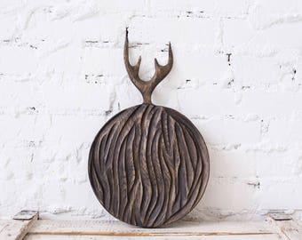 Original Design Textured Handmade Round Wooden Serving Board (Vintage Wood Board, Chopping Board, Cutting Board, Bread Board), 11-Inch