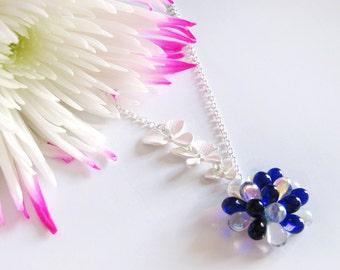 Collier orchidée & boucles d'oreilles, ensemble de bijoux de mariage, Collier pour la mariée saphir, collier Baie bleu fleur, collier floral