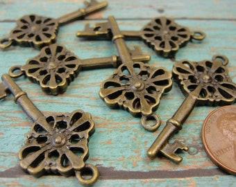 2 pcs - Skeleton Keys - Antique Bronze Vintage Key Charm Pendants - Bohemian Charms  DR1007