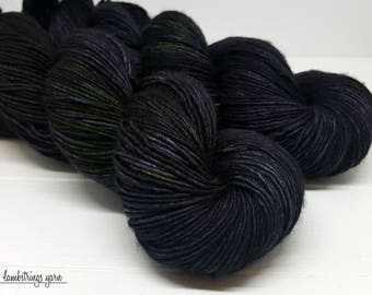 Sadie Soft Single Ply, Hand dyed yarn, Superwash merino wool, 400 yds/ 100g: The Black Cat (Poe Collection).