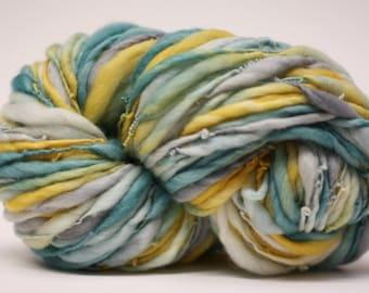Thick and Thin Handspun Merino Wool Yarn tts (tm) Hand Dyed LR 38c