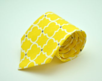 Boys Necktie Bright Yellow and Gray Latticework