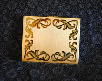 Elgin American compact rectangular with etched design