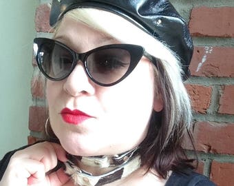 Cowhide O-ring Choker-90's -Equipped with Oring Ready To Ship