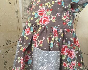 Flower pocket dress.
