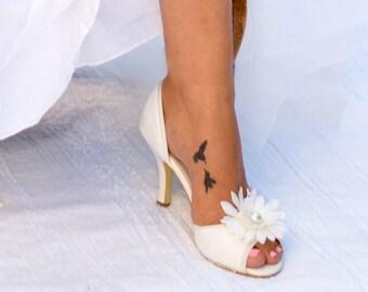 Bridal shoes ivory wedding shoe clips, shoe clips wedding shoes, bridal shoe clips, flower shoe clips vintage bride shoes, bridesmaid shoes