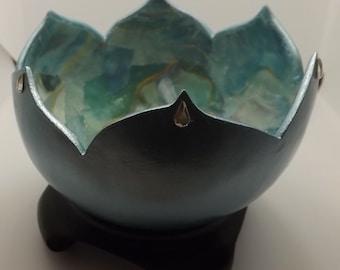 Light blue lotus gourd bowl
