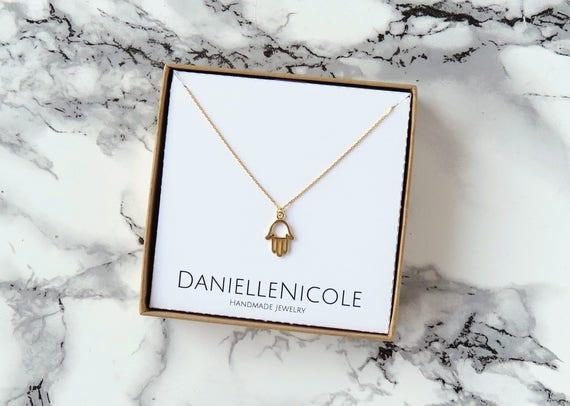 Dainty Hamsa Necklace, Hamsa Hand Necklace, Pendant Necklace, Dainty Necklace, Everyday Jewelry, Dainty Jewelry, Simple Necklace, Boho Chic