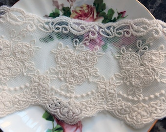 Reneabouquets Trim- 3.5 Inch Wide Timeless Vintage Lace In Ivory, Embroidery,  Venice , Bridal, Costume Design, Lace Applique, Crafting