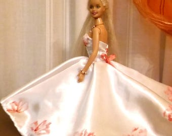 White Satin dress with hand-painted flowers and beads for Fashion royalty FR2 and dolls of similar body size.