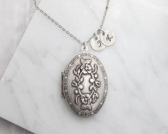 Personalized Vintage style  flower pattern oval Locket, Silver locket Initial disc Necklace,Silver locket  - S2081-3