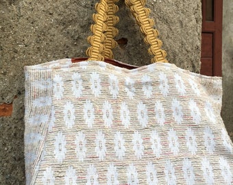 Handmade reversible Tote bag made of vintage fabric. The light fabric has lurex threads. Handles in trimmings of the last century