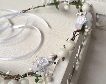 Bridal flower wreath registry Dirndl hair accessories hair band white berries in her hair open-air festivals