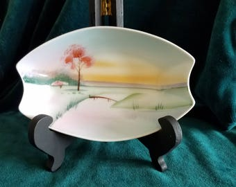 Simple but sweet scene makes this vintage Meito china bowl so charming