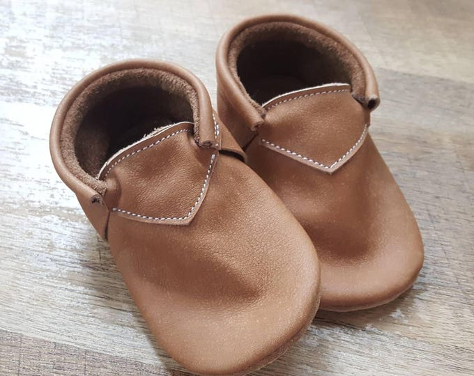 Cowboy Distressed Brown Boho baby moccs - moccasins - crib shoes - leather moccs - toddler shoes - classic shoes - baby booties