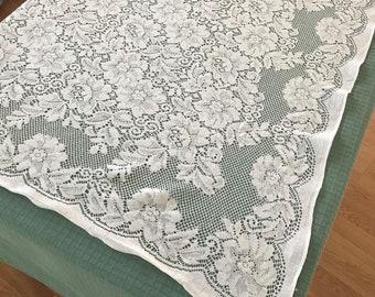 White Lace Table Topper, Vintage Lace Linens, Vintage Table Topper, White Lace Linens, Vintage Table LInens, Table Linens,