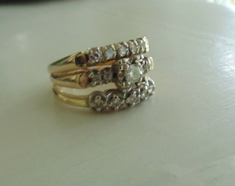 Engagement and wedding band in 14 ct gold with 15 diamonds size 7
