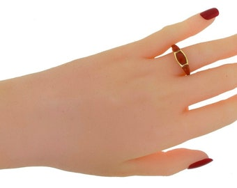 Gorgeous Vintage Red Coral Three Stone 18k Yellow Gold Ring