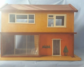 Vintage Dolls House Triang Model U 1960's collection only.