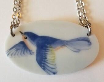 Porcelain plate bird