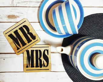 Mr and Mrs Coaster Set - Oak Wood Coaster Set - Wedding Gift Set - His and Hers Gift - Newlywed Gift - Housewarming Gift - Couples Gift
