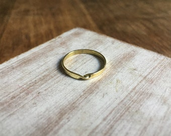 ring ,geometric ring,brass ring,dainty ring,ring, minimalist ring,gift for her,gift for women,gift ideas,gift for mom,simple ring,modern