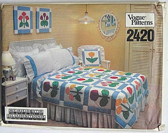 Vintage 1970's Vogue 2420 Pattern, Floral Appliqué Quilt, Pillow Covers, Dust Ruffle, Early American Room, Tulips, Daisies, Pansies UNCUT