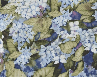 1 Placemat Hydrangeas Floral Set of 2,4 or 6 w/ Center Round blue backs Made In Maine by Carol's Country Crafts handmade