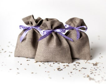 Wedding favor gift bags - Ultra violet wedding ideas - party favor bags - Rustic gift bags with lavender polka dot ribbon - Linen favor bags