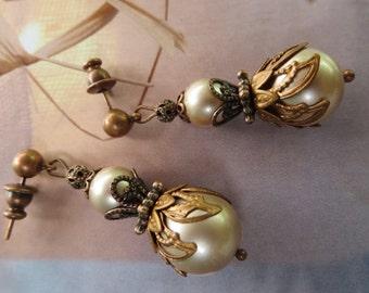 Gold Pearl Earrings, Swarovski Earrings, Gift Earrings, Wedding Pearl Earrings, Champagne Earrings, Gold Pearl Jewelry, Jewellery, Weddings