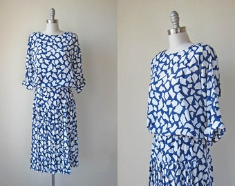 1980s vintage blue white print drop waist pleated skirt 3/4 long sleeve dress s m