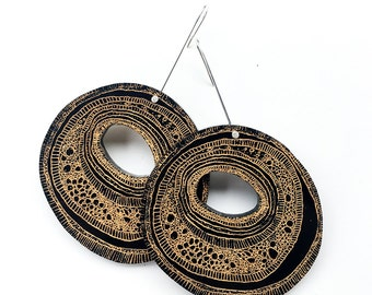 STRATUM - Earrings, lasercut jewellery black and gold painted acrylic circle shape jewelry hand drawn design laser cut earrings