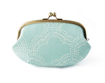Metal frame large round pouch // Pebbly Clouds