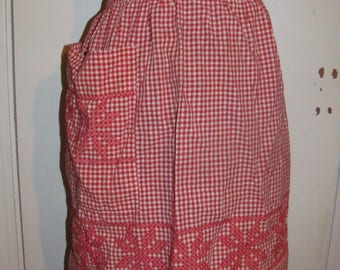 Cute Vintage Red and White Checkered Snowflake Embroidered Half Apron Skirt Apron